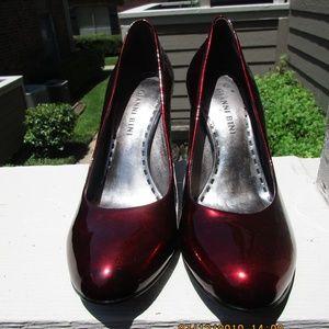 Gianni Bini red patent leather pumps Sz 6 1/2 M